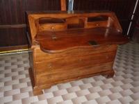 Boscardin mobili - 65 - Ribalta in noce massello in stile '700 veneto.